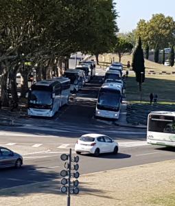 Fermata dei bus delle escursioni ad Avignone