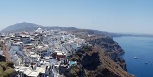 Fira, capoluogo dell'isola di Santorini