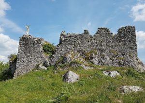 Resti del castello longobardo di Sant'Angelo a Pesco