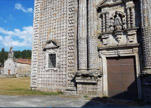 Particolare della facciata di monastero cistercense di Santa Maria de Sobrado de los Monjes