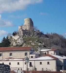 Vista del comune irpino di Rocca San Felice