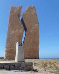 Pedra da Ferida - Monumento eretto a Muxia in ricordo del disastro petrolifero avvenuto nel 2002