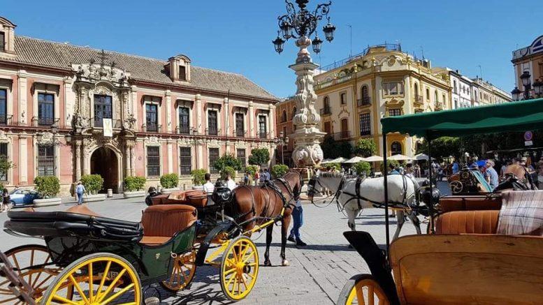 Siviglia - Piazza Virgen de los Reyes