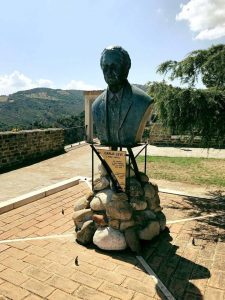 Busto di Carlo Levi ad Aliano (MT)