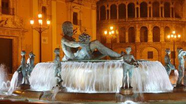 Fontana del fiume Turia, plaza de la Virgen, Valencia